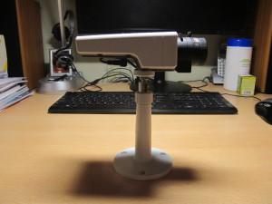 Камера на фоне монитора